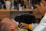 Daniel beim Barbier