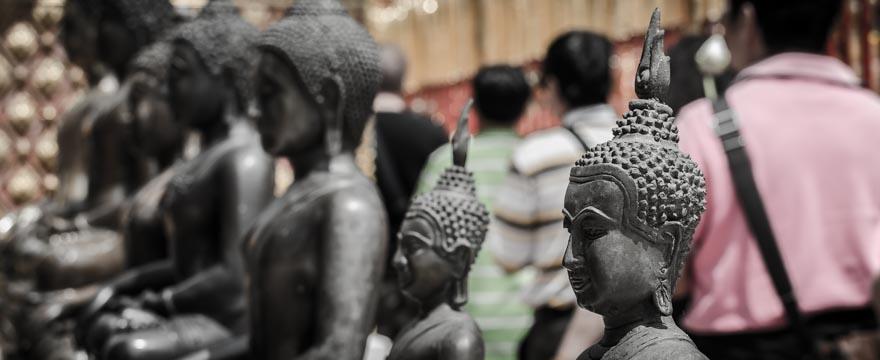 Buddhastatuen im Wat Phra That Doi Suthep